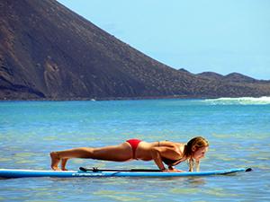 SUP yoga plank